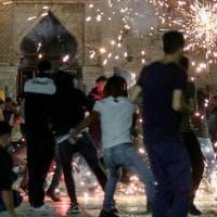 Gerusalemme, oltre 220 feriti negli scontri sulla Spianata delle Moschee tra palestinesi...