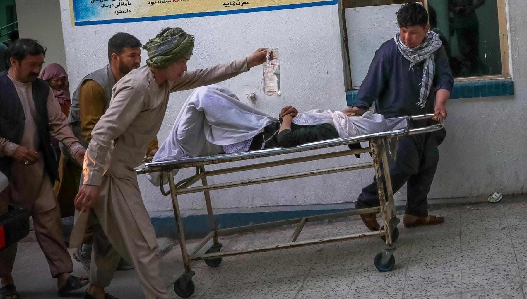 """160221543 af24d253 f579 4ea9 bd31 7db7c76ee781 - Afghanistan, il giorno dopo la strage. La testimonianza da Kabul: """"Sarà di nuovo la guerra civile: è un incubo"""""""