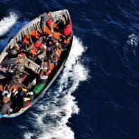 """Migranti, Letta: """"Una missione Ue di soccorso"""". No della Lega: """"È una provocazione"""""""