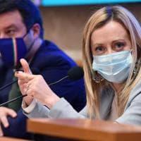 Sondaggi, scende la Lega e FdI tallona il Pd. Tra i leader, Conte a un passo da Draghi e...