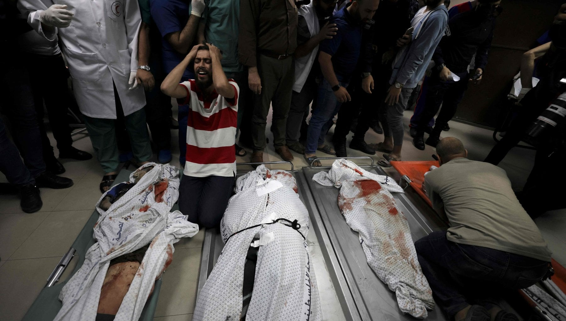 024057329 5dda99a2 b1f6 46b7 ac55 834f794bf6df - Medioriente, ancora bombardamenti israeliani sulla Striscia di Gaza: colpito un campo profughi, bambini tra le vittime