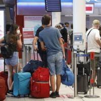 Covid, stop quarantena per chi arriva da Paesi Ue, Regno Unito e Israele. Dal 16 maggio...