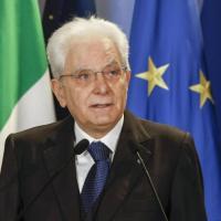 """Giornata internazionale contro l'omofobia, Mattarella: """"Rifiuto assoluto di ogni forma di..."""