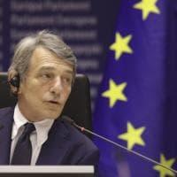 """L'Europarlamento contro la Cina: """"Rispetti i diritti"""""""