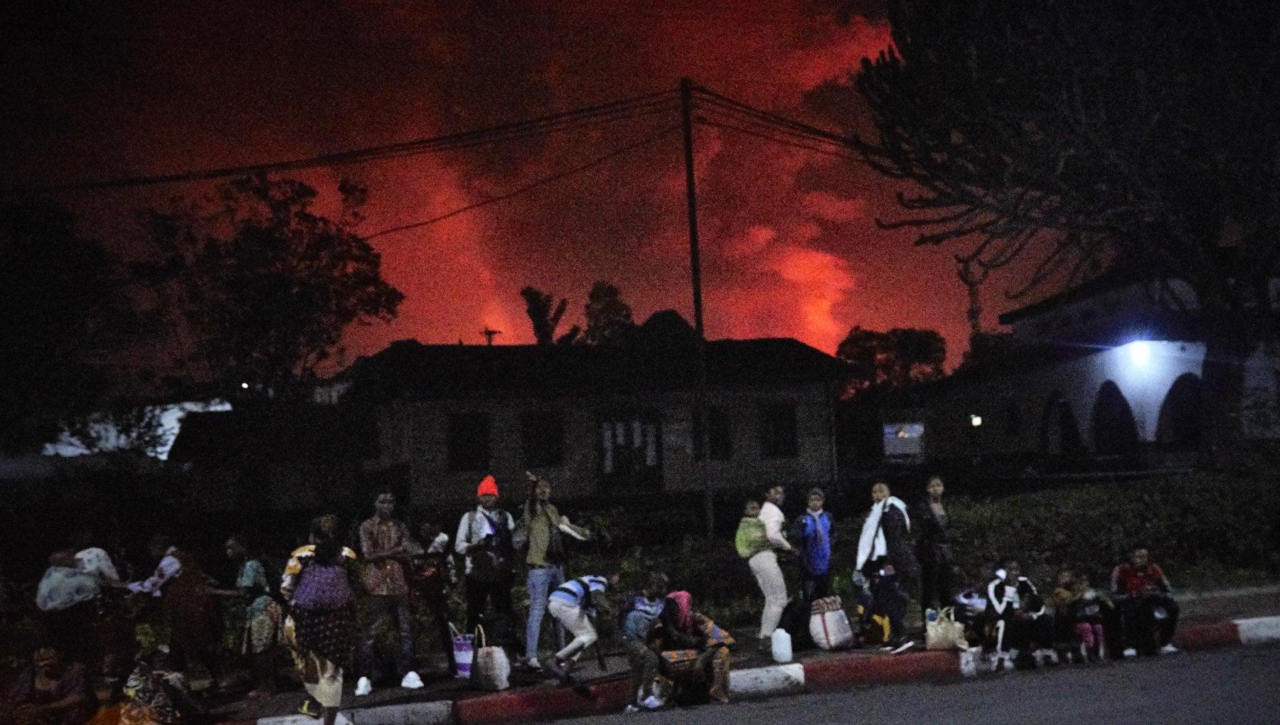 221338601 1275aa42 83c5 467e 970c b497ef6c91ad - Congo, si risveglia il vulcano del Virunga. Panico tra la popolazione, evacuata la città di Goma