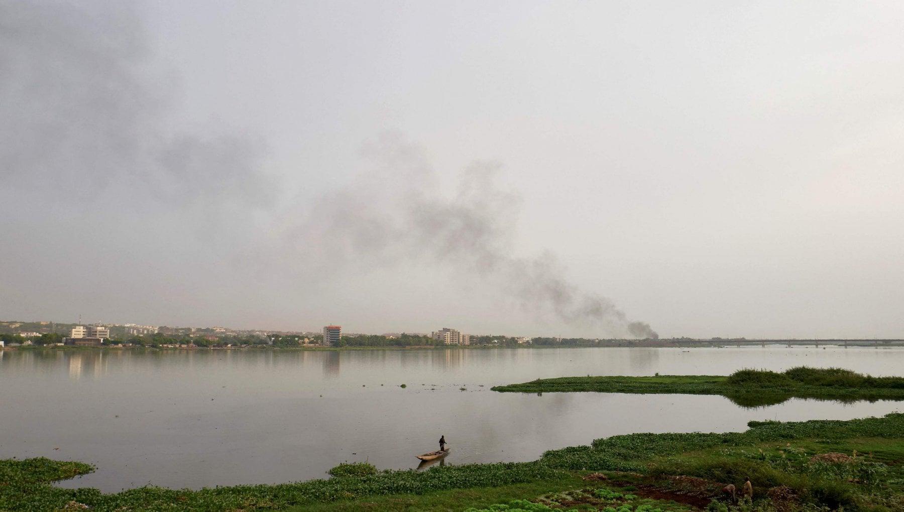 053904883 75165edf 368f 4b8d a405 afdbfd9f7eb5 - Nigeria, naufraga battello fluviale sovraccarico: almeno 150 passeggeri dispersi