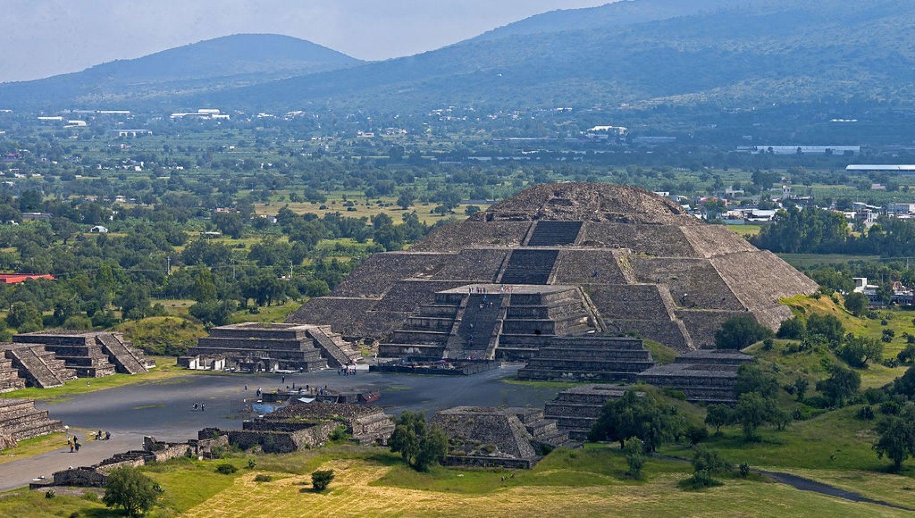 154304348 a4f08e6b 9c58 4227 b048 0e81487390df - Messico, il governo ferma lo scempio di Teotihuacán: volevano costruire un parco divertimenti sotto le piramidi