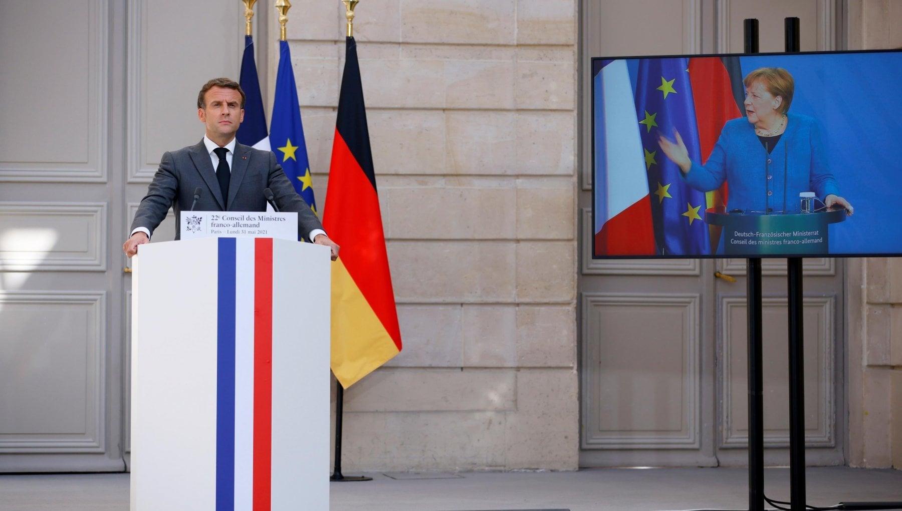"""220958553 1fb0abae ca20 440d 9943 7a0900dacb42 - Migranti, patto Macron-Merkel per le quote. """"Ma chi viene dall'Italia sarà mandato indietro"""""""