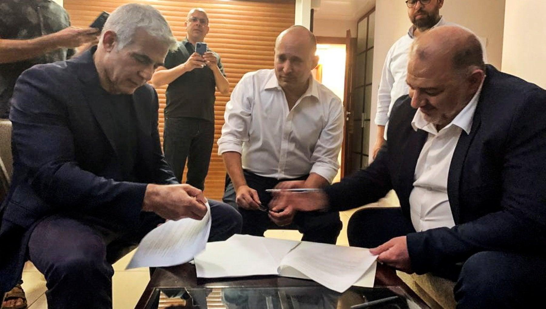 220551230 1f93764c 9ded 417f 8849 8f378acb65b8 - Israele, nazionalisti, ex laburisti e arabi: l'alleanza a otto teste contro Netanyahu