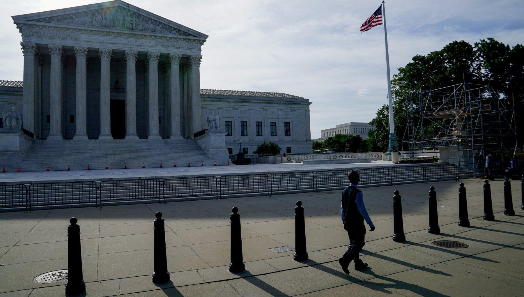 """094652750 19db1306 89cc 4e87 a1ea e051c46c182d - Texas, la studentessa va """"fuori tema"""" e difende il diritto all'aborto alla cerimonia di diploma : il video diventa virale"""