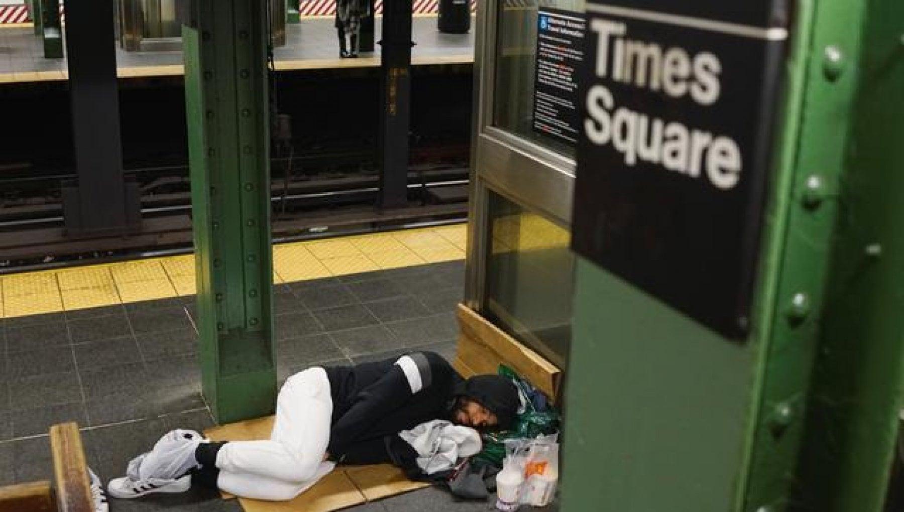 184909542 65871aec ed39 4712 bb86 3f0cf59861a4 - New York, torna il turismo. E gli alberghi sloggiano i senzatetto