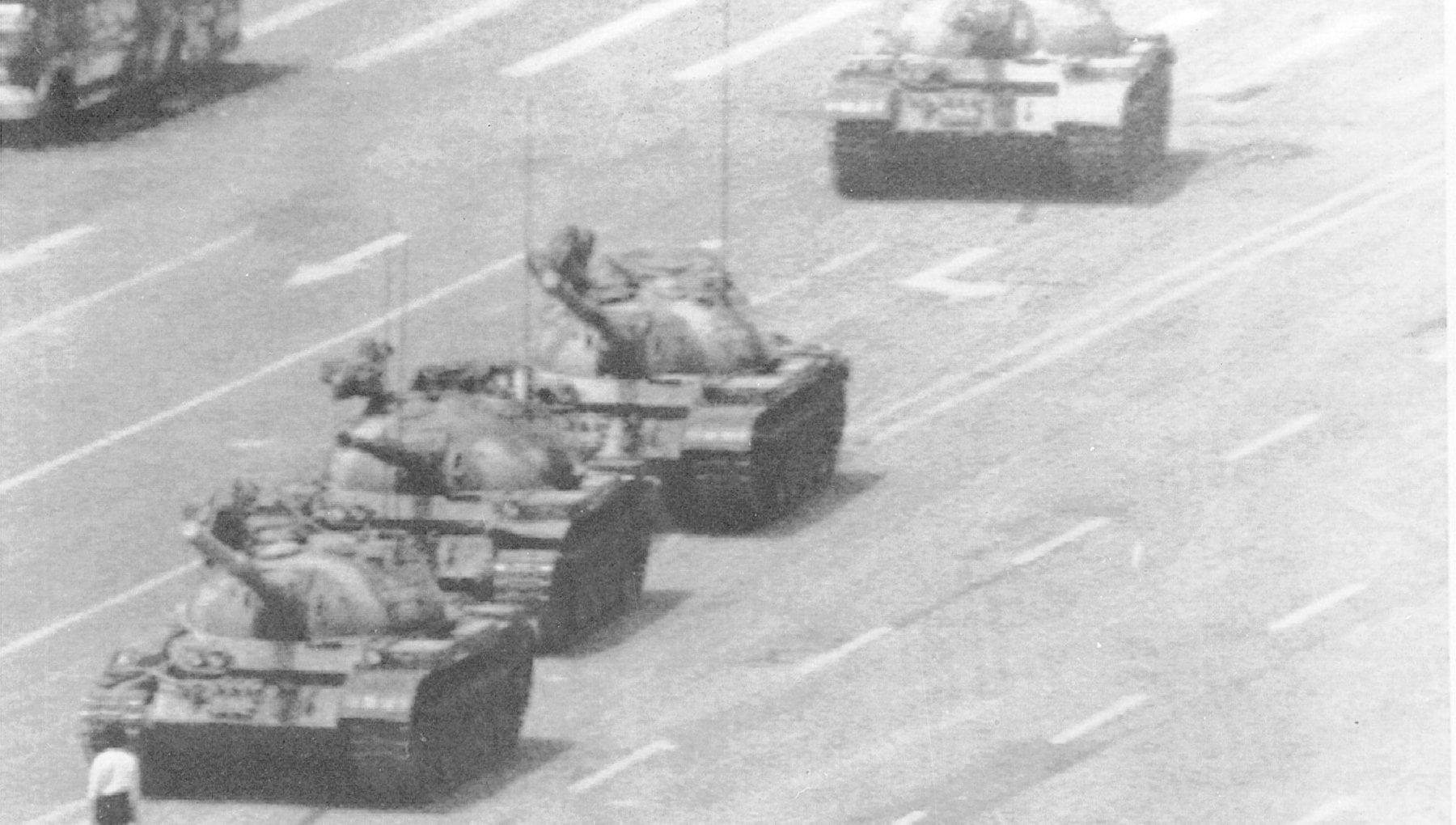 """124719402 7ce7614f 77b1 47a4 abaa a5925fea38e9 - La foto-icona di Tienanmen scompare dal motore di ricerca di Microsoft: """"Errore umano"""""""