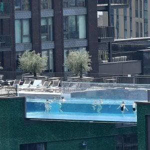 194230695 e3ffb649 336b 40d9 b73e b253af04159c - Francia, il boom delle piscine private per sfuggire al virus