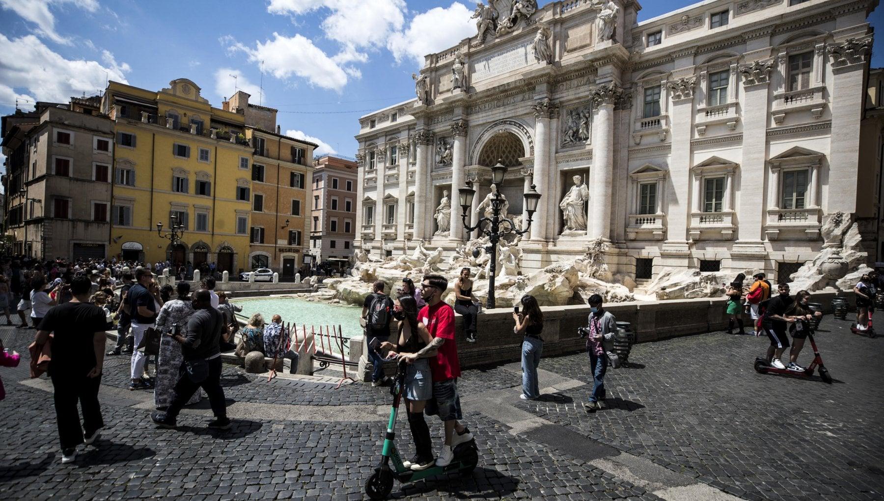 221647351 7315ab24 1a1b 46b0 afac b6710217771b - Le ferite di Roma che neanche il rumore riesce a nascondere