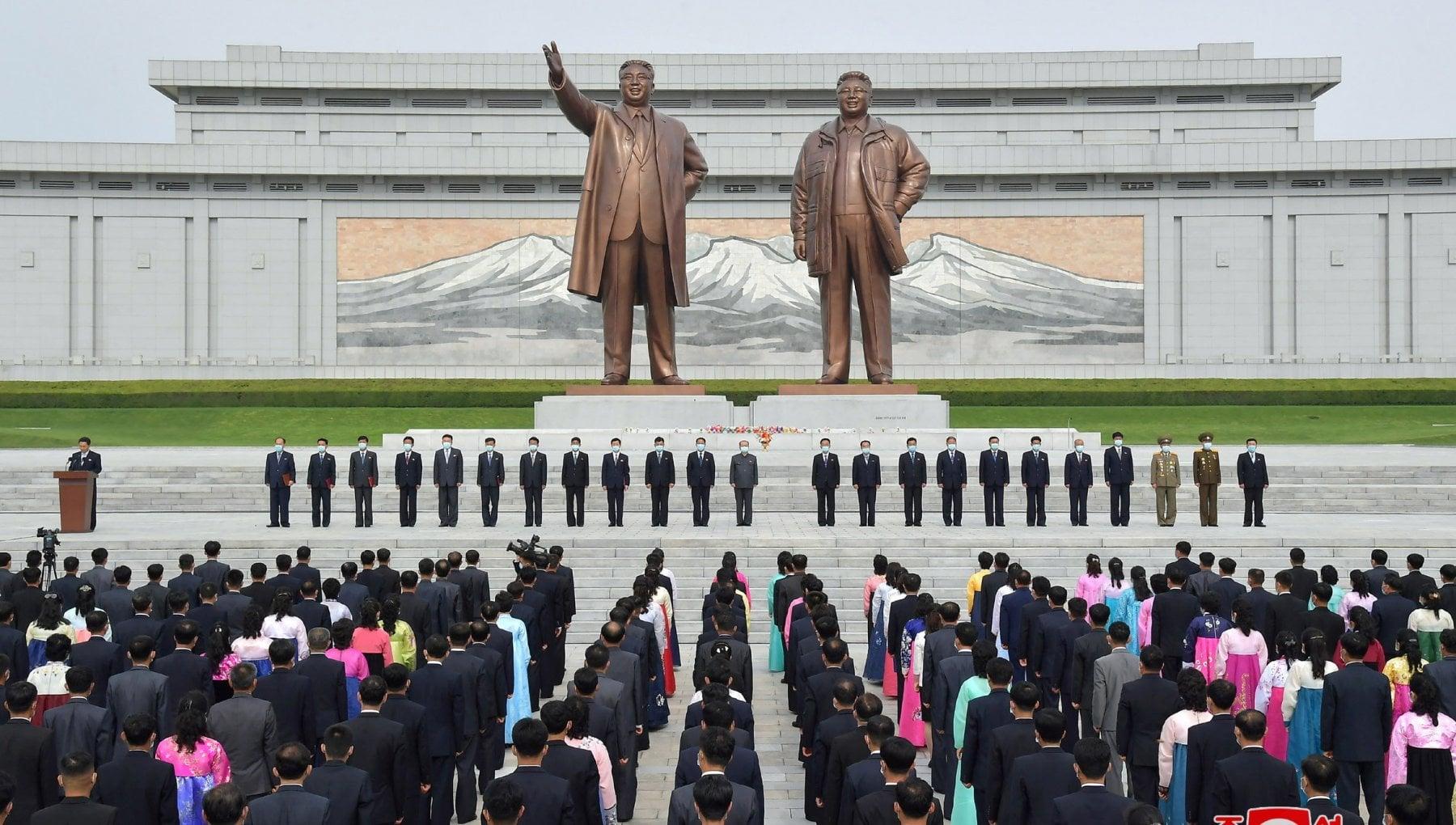 095419897 2127ccf5 00c2 4279 aa94 246f3eb4779a - Corea del Nord, Kim Jong-un vieta jeans e film stranieri, pena i campi di lavoro e la morte