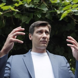 104131786 458f36ec d65c 4d6c 8999 341c9b615162 - Ucraina, bufera sulle soldate con i tacchi