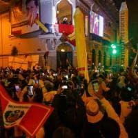 """Perù, il leader della sinistra Castillo batte la """"principessa"""" della destra Fujimori. Che..."""