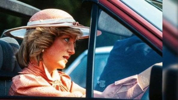 Allasta la Ford Escort di Lady Diana: gliela regalò Carlo nel 1981