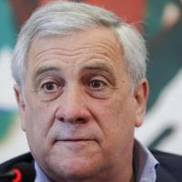 Forza Italia, Tajani propone un partito unico del centrodestra. Gelo dai liberal ma anche...