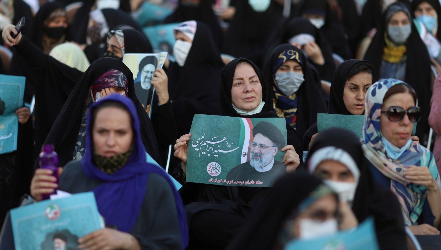 165744427 16c66b2d 8be9 40ed 81e5 61262d3696fa - Iran, le ombre sul passato non frenano la corsa di Raisi verso la presidenza
