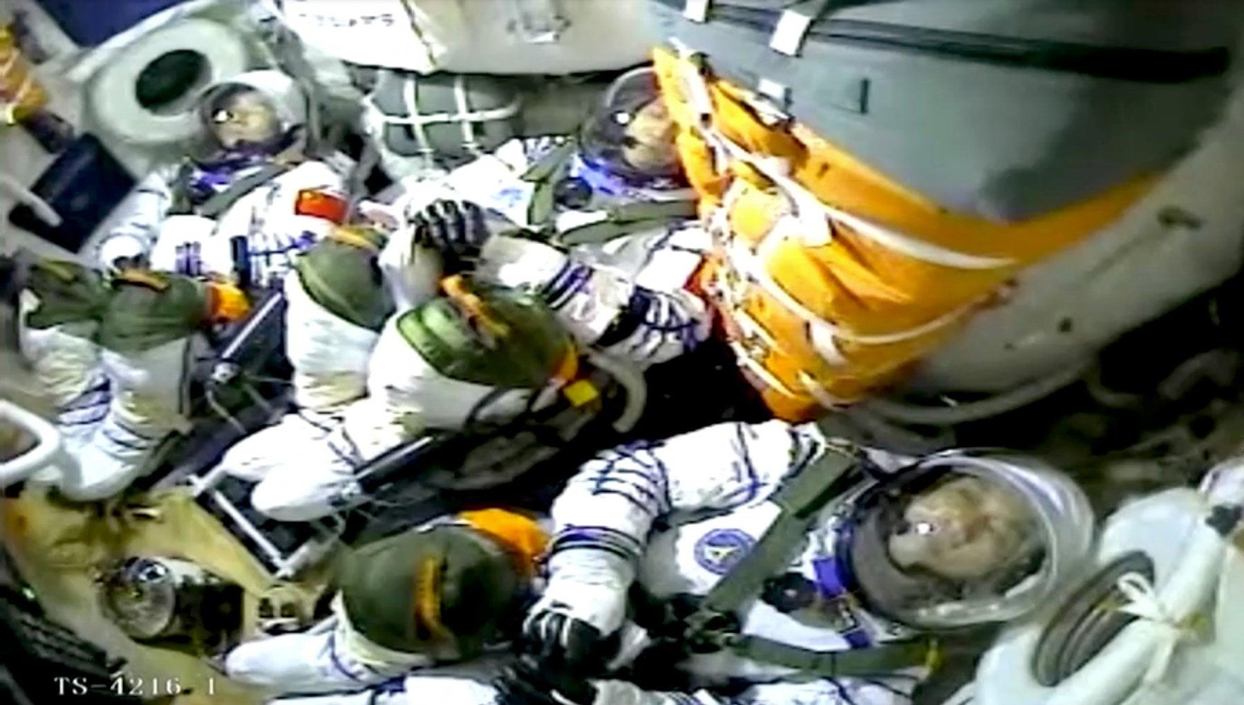 064908060 b33ababc 87e9 4bd4 9a13 23fd9e70a484 - Spazio. decollato il razzo che porterà il primo equipaggio cinese nella nuova stazione