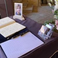 Funerali Michele Merlo, in 1000 all'addio con le sue canzoni
