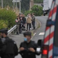Francia, rave party illegale: sette ore di guerriglia con la polizia