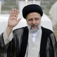Presidenziali in Iran, vittoria al primo turno dell'ultraconservatore Ebrahim Raisi