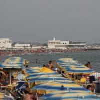 L'aumento dei prezzi sotto l'ombrellone, guida al caro-spiagge da Bibione