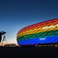 """Il sindaco di Monaco: """"Vergognosa la decisione dell'Uefa, isseremo bandiere arcobaleno in..."""