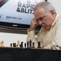 """Garry Kasparov: """"L'Occidente è troppo debole e non ha leader, così lascia fare a Putin..."""