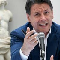 """M5S  Conte: """"Con Grillo non ci sono rotture sullo Statuto"""". Il fondatore a Montecitorio..."""