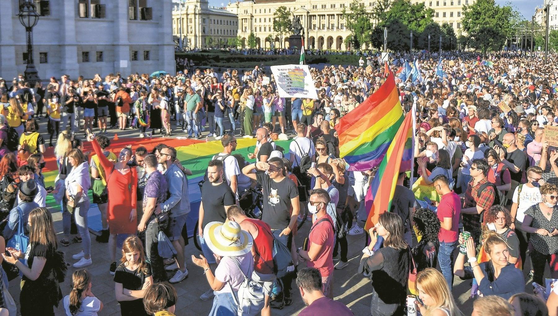 "215211249 e8fe9098 68ac 46cb a52f 89fea9758ef7 - ""Via l'arcobaleno o vi arrestiamo"". Paura e rabbia nella Budapest Lgbtq+"