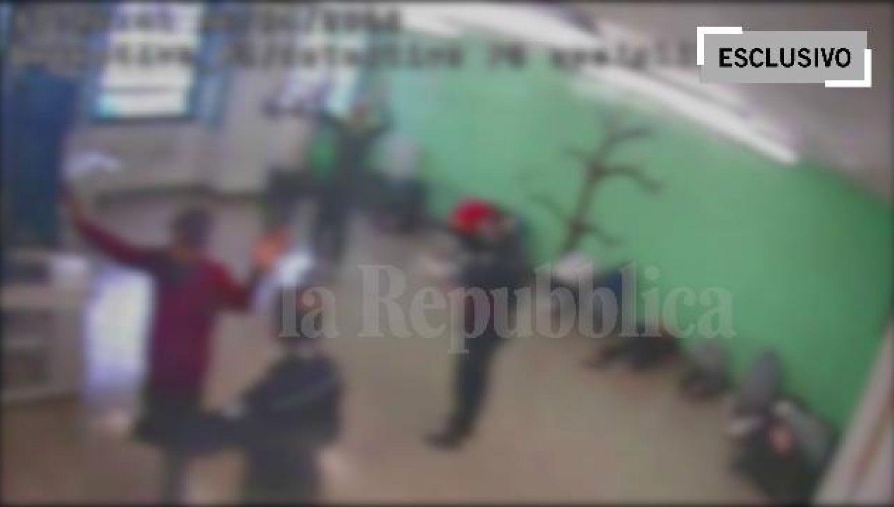 225345713 85b066b1 4153 45c2 9253 776d1c3f6119 - Pestaggi in carcere: venti contro uno, i video mai visti della mattanza a Santa Maria Capua Vetere