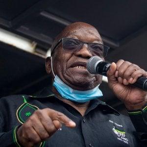 061152193 64203b44 054b 4c16 8fd8 2598292e793a - Sudafrica, l'esercito in strada per contenere la violenza: 32 morti. L'opposizione contro la decisione militare