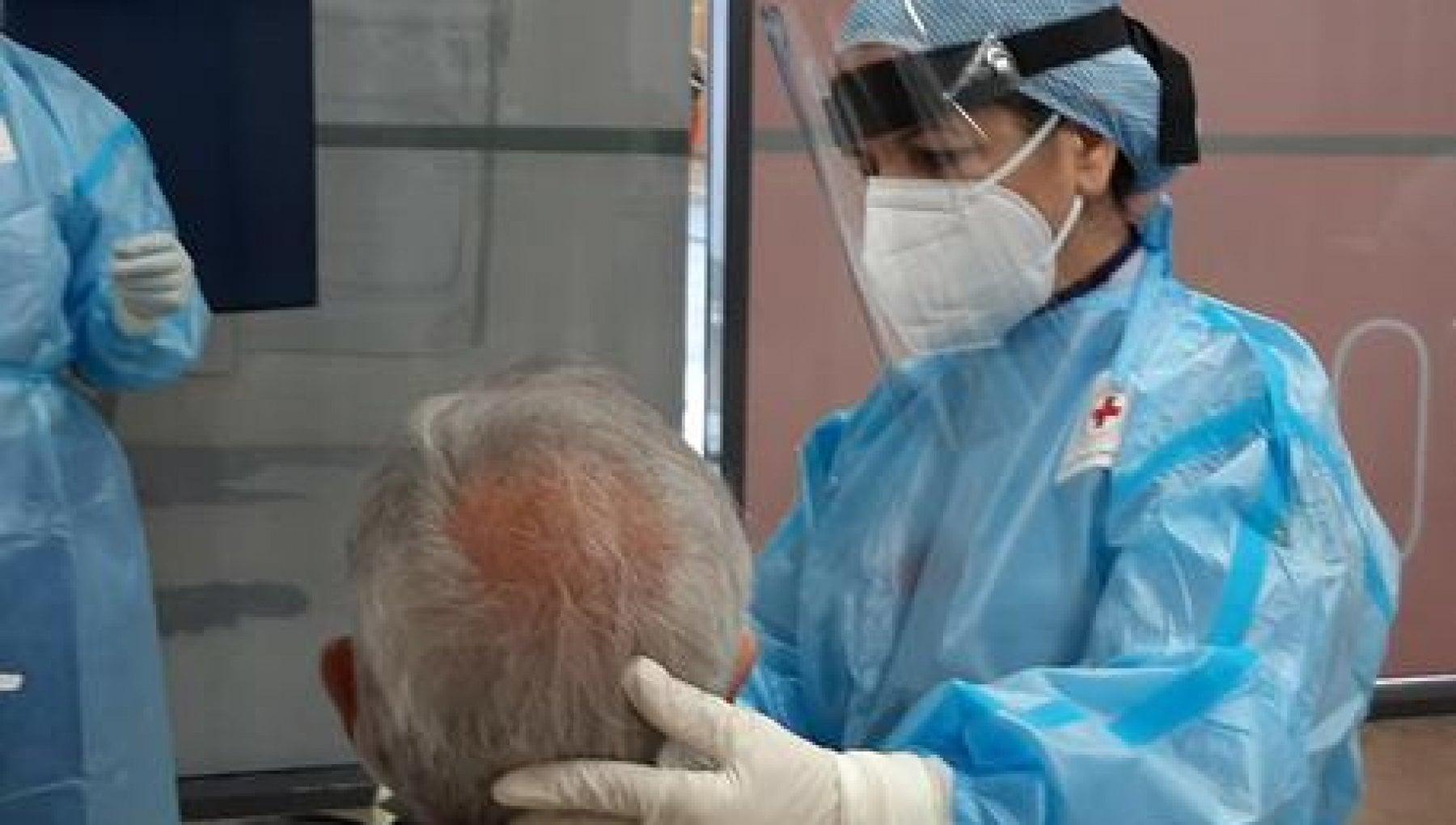 204457233 e2d627ea 2d9c 4b1c 8d02 b90c21c3510e - AstraZeneca e J&J, stop alle consegne: l'Italia va avanti con due soli vaccini