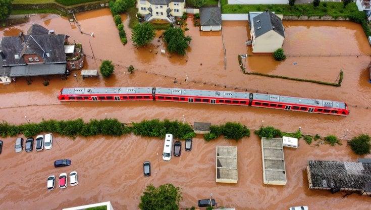 """Alluvioni in Germania, Antonio Navarra: """"Eventi più estremi per il  riscaldamento globale"""" - la Repubblica"""