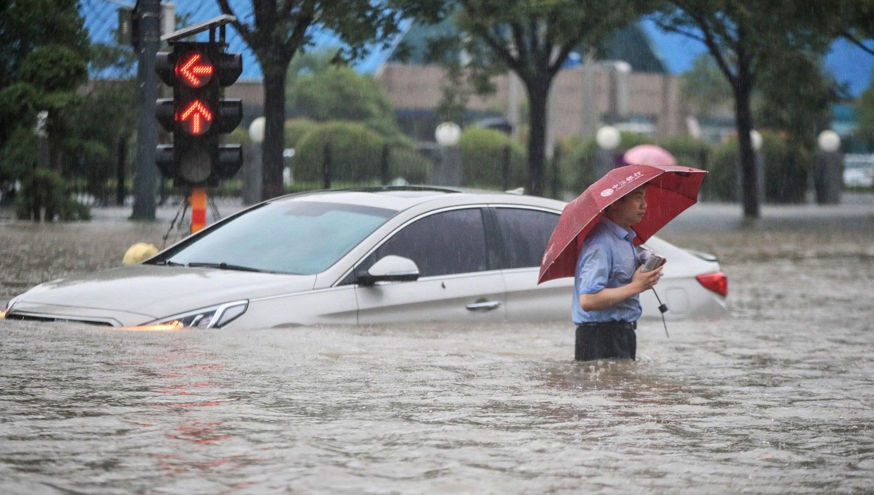 062651432 53595ad0 729b 4a95 aae3 6d8021cd3ab6 - Clima: emergenza piogge in Cina, 10mila evacuati e 12 morti