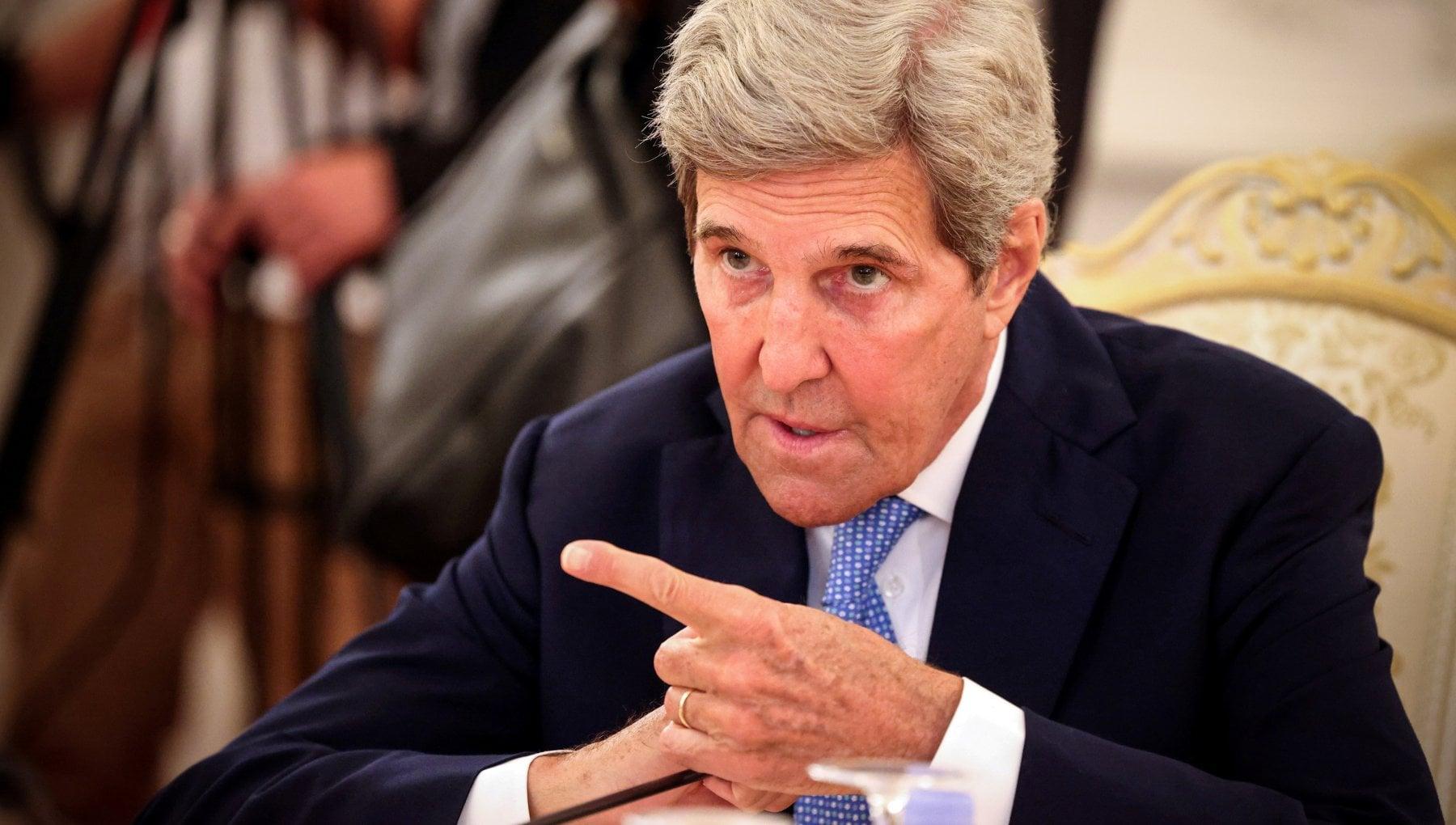 """230539513 6d5e7351 45b0 47a2 904c cd235cb1d9ff - Clima, intervista a Kerry: """"Il mondo è a una svolta per un futuro più pulito"""""""