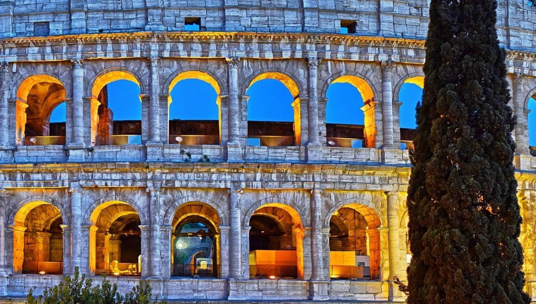 """""""Vendiamo il Colosseo"""". Ma in formato digitale"""