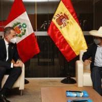 Castillo giura da presidente. Il Perù alla resa dei conti con la sinistra al potere