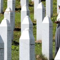 Battaglia sul genocidio di Srebrenica: i serbi sfidano la legge contro i negazionisti...