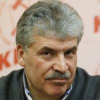 """Russia, i comunisti dichiarano battaglia al Cremlino per il """"capitalista"""" Grudinin"""