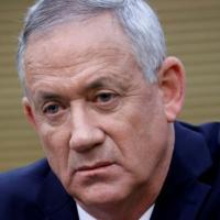 """Pegasus, il ministro della Difesa israeliano a Parigi: """"Stiamo verificando con la massima..."""
