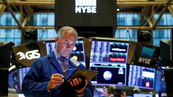 Le Borse di oggi, 30 luglio 2021. Il rallentamento di Amazon impensierisce i mercati. I listini Ue chiudono in rosso