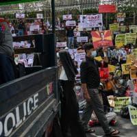 Sei mesi dal golpe in Birmania: morti, miseria e l'esplosione del Covid