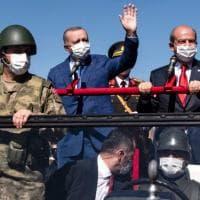 Turchia, troppe crisi ai confini: Erdogan alza un muro contro i migranti