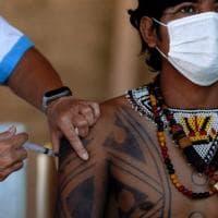Coronavirus nel mondo. L'Oms: risposta immunitaria migliore con il mix di vaccini