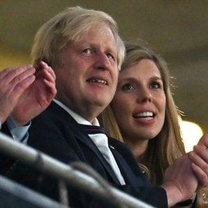 093857689 399ca885 3b50 47e1 ad49 ea6330321deb - Coronavirus, marcia indietro di Johnson: niente Green pass nel Regno Unito