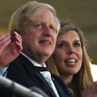 Coronavirus, Boris Johnson ha deciso: nel Regno Unito terza dose di vaccino in autunno